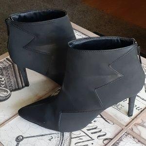 Beautiful Michael Antonio heeled Booties